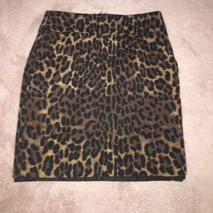 Mini leopard print skirt